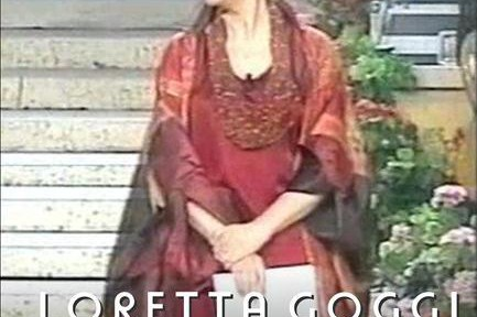 LORETTA-GOGGI.jpg